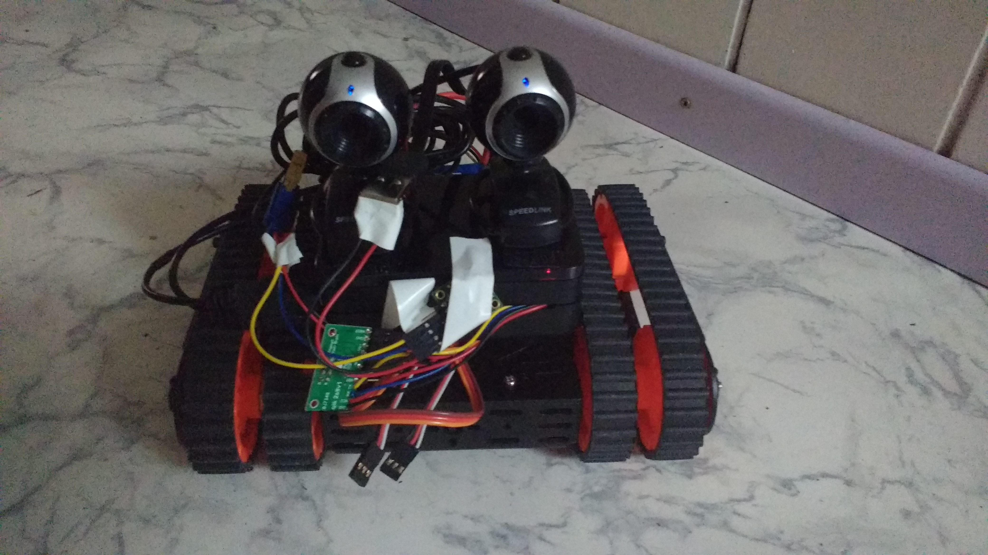 Roboter Front